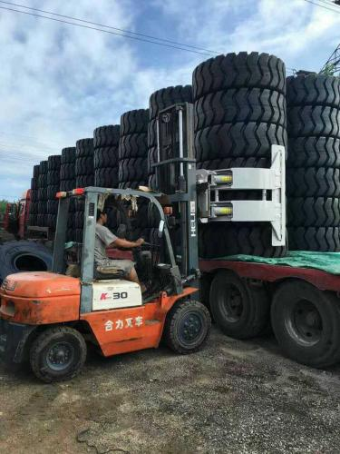 Tyre Clamp Forklift Attachment
